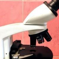 میکروسکوپ آزمایشگاهی دوچشمی
